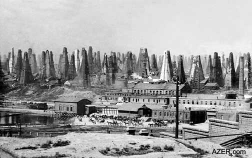 Oil wells in a Baku suburb circa 1900