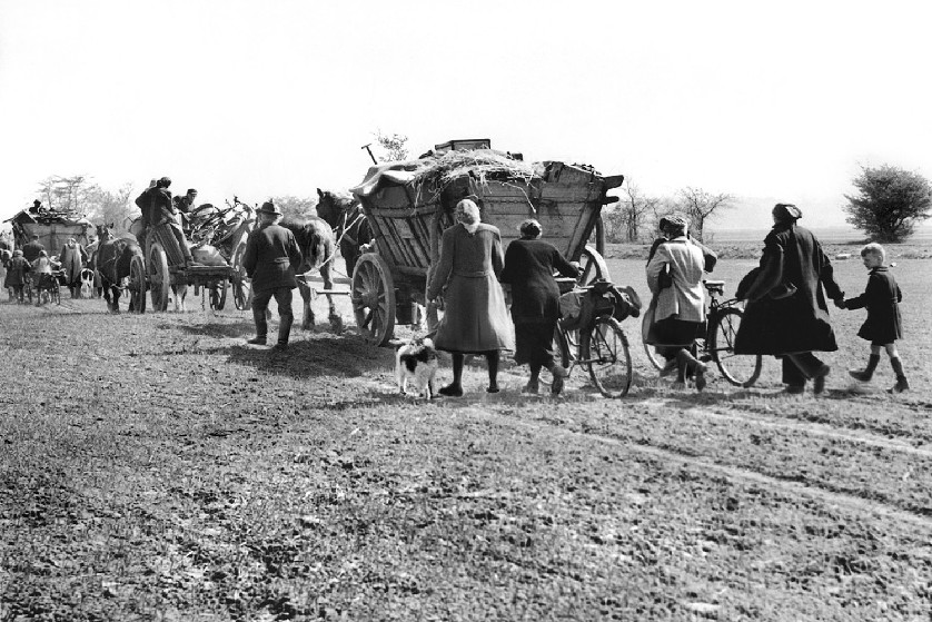 Many of the East Prussian evacuees had nothing but a horse and cart for transport
